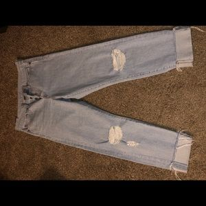 Levi's distressed knee Wedgie fit